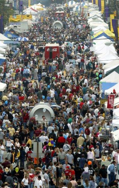 mumfest-crowd2